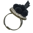 Schwarzwaldmädel Ring bronze mit schwarzem Bollenhut